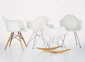 [20081006_eames-chair-whtie.jpg]